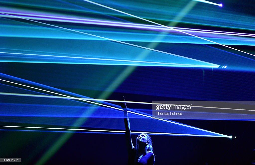 Carolin Niemczyk of the band 'Glasperlenspiel' performs the LEA Live Entertainment Award 2016 at Festhalle Frankfurt on April 4 2016 in Frankfurt am...