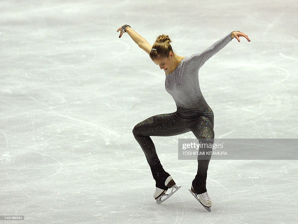 Carolina Kostner of Italy performs during the free skating event in the World Team Trophy 2012 figure skating competition in Tokyo on April 21, 2012. AFP PHOTO / TOSHIFUMI KITAMURA