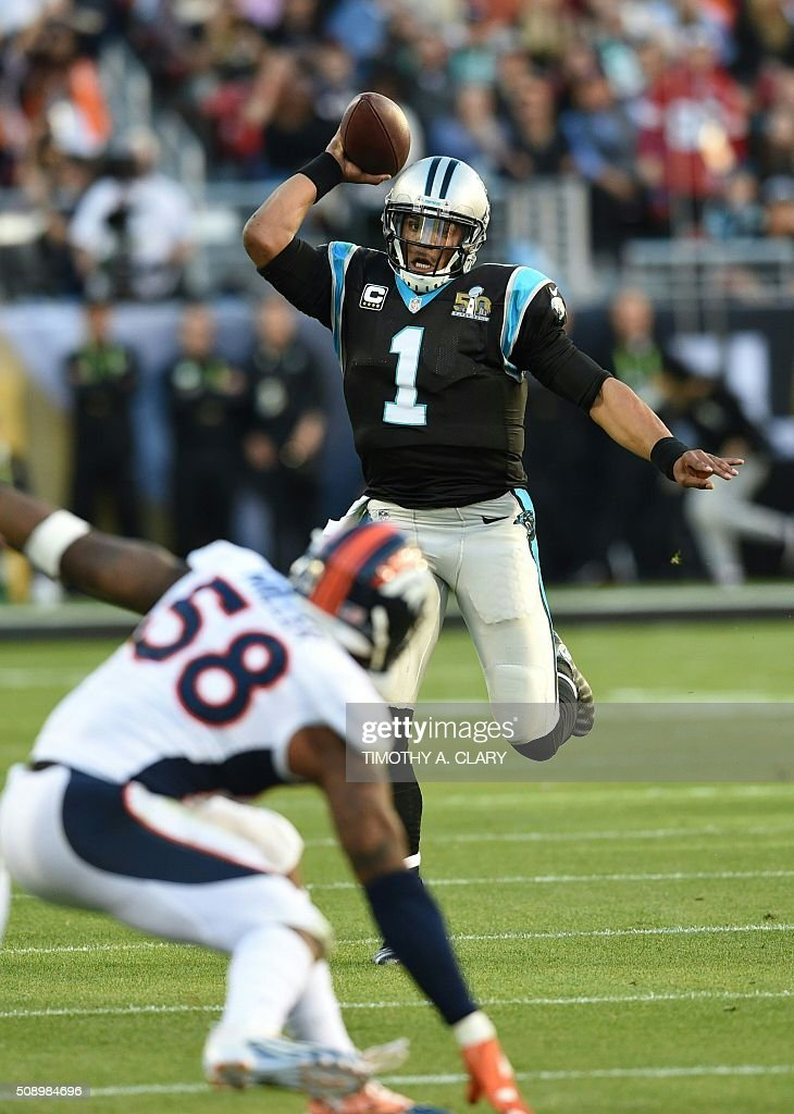 Carolina Panther Cam Newton (1) passes during Super Bowl 50 against the Denver Broncos at Levi's Stadium in Santa Clara, California, on February 7, 2016. / AFP / TIMOTHY A. CLARY