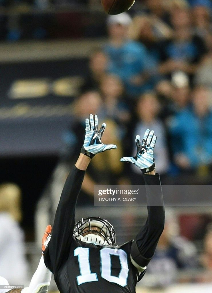 Carolina Panthers Philly Brown (10) catches the ball during Super Bowl 50 against the Denver Broncos at Levi's Stadium in Santa Clara, California, on February 7, 2016. / AFP / TIMOTHY A. CLARY