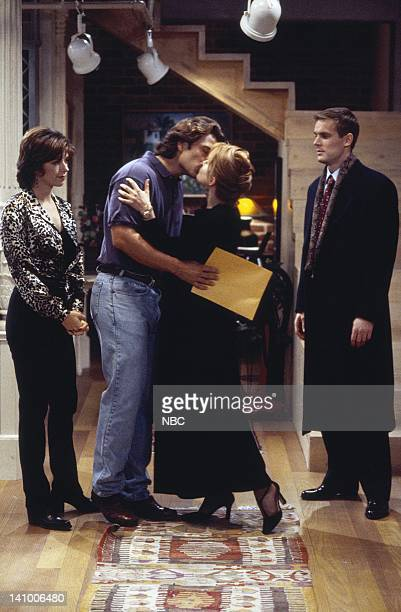 CITY 'Caroline and the Opera' Episode 7 Aired 11/9/95 Pictured Amy Pietz as Annie Viola Spadaro Eric Lutes as Del Cassidy Lea Thompson as Caroline...