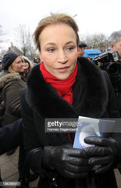 Caroline Beil attends the memorial service for Johannes 'Jopie' Heesters at the Nordfriedhof on December 30 2011 in Munich Germany Dutch born actor...