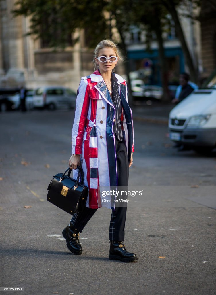Street Style : Paris Fashion Week Womenswear Spring/Summer 2018 : Day Eight