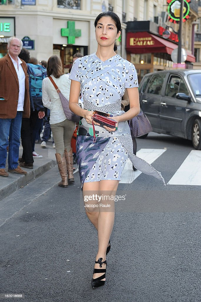 <a gi-track='captionPersonalityLinkClicked' href=/galleries/search?phrase=Caroline+Issa&family=editorial&specificpeople=2254046 ng-click='$event.stopPropagation()'>Caroline Issa</a> arrives at Sonia Rykiel Fashion Show during Paris Fashion Week Womenswear SS14 - Day 4 on September 27, 2013 in Paris, France.