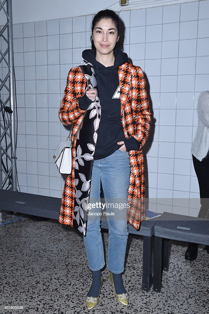 caroline-issa-attends-the-cedric-charlier-show-during-milan-mens-picture-id631803538