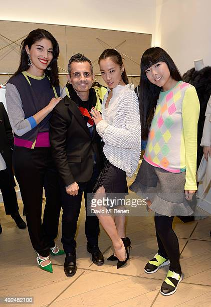 Caroline Issa Massimo Nicosia Yi Zhou and Susanna Lau attend the Deconstructed Project with a private dinner hosted by Caroline Issa David Shrigley...