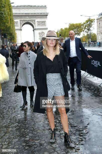 Caroline Receveur attends 'Le Defile L'Oreal Paris show' as part of the Paris Fashion Week Womenswear Spring/Summer 2018 on October 1 2017 in Paris...