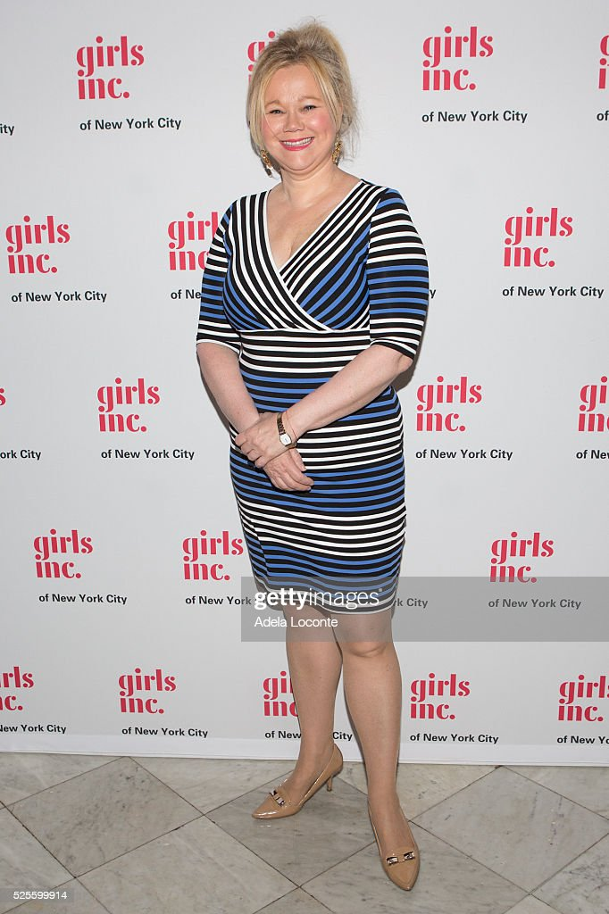 <a gi-track='captionPersonalityLinkClicked' href=/galleries/search?phrase=Caroline+Rhea&family=editorial&specificpeople=215030 ng-click='$event.stopPropagation()'>Caroline Rhea</a> attends '2016 Girls Inc Spring Luncheon' at The Metropolitan Club on April 28, 2016 in New York City.