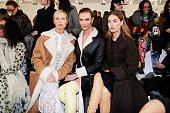 Loewe : Front Row - Paris Fashion Week Womenswear...