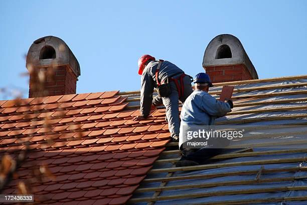carpenters Arbeiten auf dem Dach