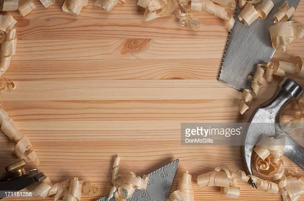 Outils de menuiserie sur Pine quatre