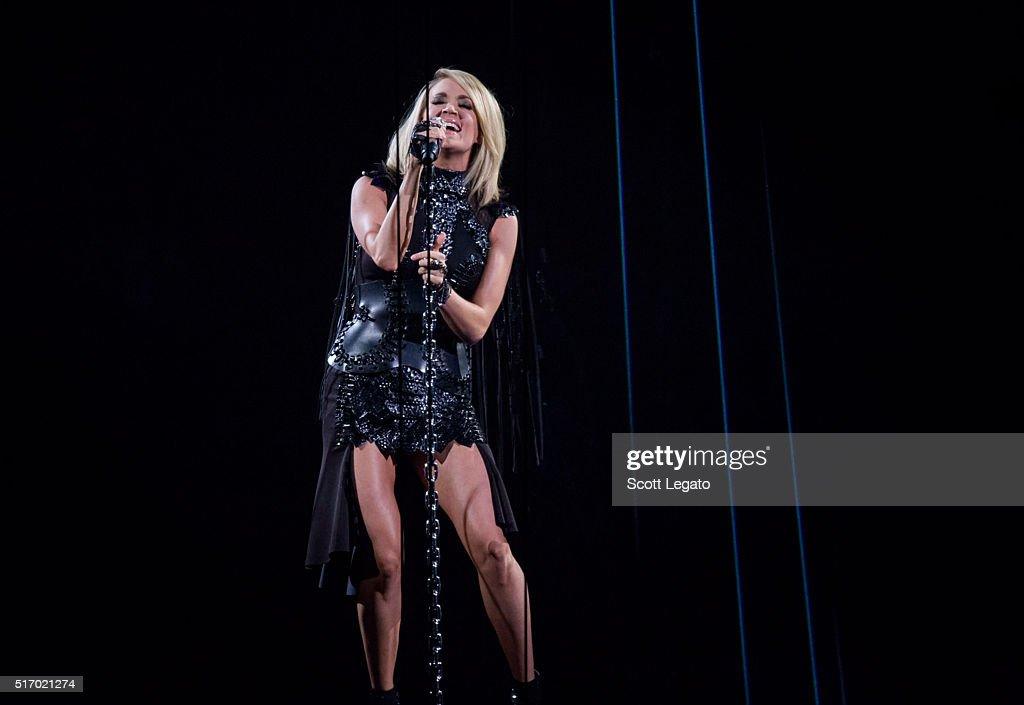 <a gi-track='captionPersonalityLinkClicked' href=/galleries/search?phrase=Carrie+Underwood&family=editorial&specificpeople=204483 ng-click='$event.stopPropagation()'>Carrie Underwood</a> performs during The Storyteller Tour 2016 at The Palace of Auburn Hills on March 22, 2016 in Auburn Hills, Michigan.