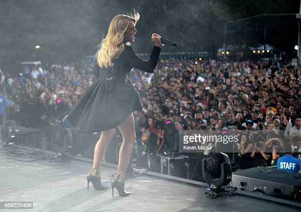 Carrie Underwood performs onstage at the 2014 Global Citizen Festival to end extreme poverty by 2030 at Central Park on September 27 2014 in New York...