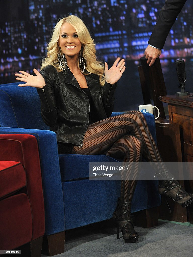 Carrie Underwood visits 'Late Night With Jimmy Fallon' at Rockefeller Center on November 8, 2012 in New York City.
