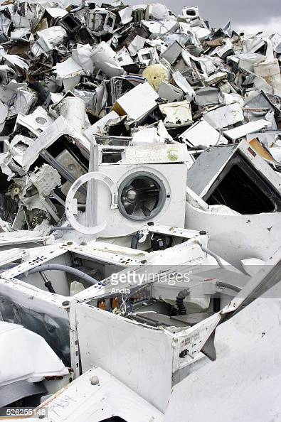Appliance junkyard stock photos and pictures getty images for Household waste recycling centre design