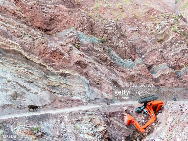 Carrying Excavator at the mountain road - Accident