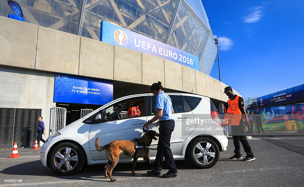 Cars are searched with police sniffer detection dogs as they enter the stadium before the UEFA EURO 2016 Round of 16 match between England and Iceland at Allianz Riviera Stadium on June 27, 2016 in Nice, France.