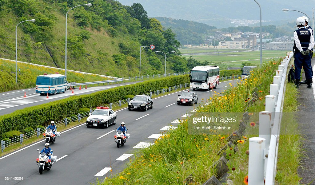 Cars carrying Japanese Prime Minister Shinzo Abe runs on the way to the Kashikojima Island, main venue of the Group of Seven summit on May 25, 2016 in Ise, Mie, Japan. The Group of Seven summit takes place on May 26 and 27 to discuss key global issues such as global economy and anti terrorism measures.
