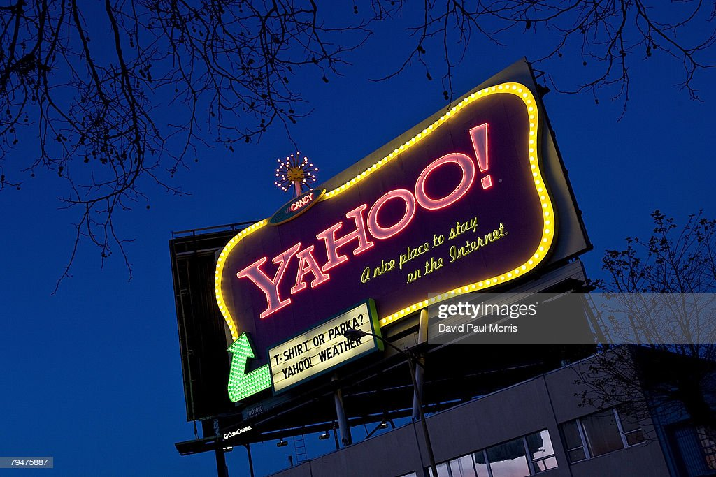 Cars drive down 6th Street past a Yahoo! billboard February 1, 2008 in San Francisco, California. In an effort to compete with internet leader Google Inc., Microsoft Corp has made a $44.6 billion bid to buy Yahoo Inc..