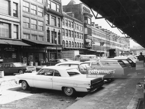 Cars line up outside Haymarket in Boston on May 3 1976 ]