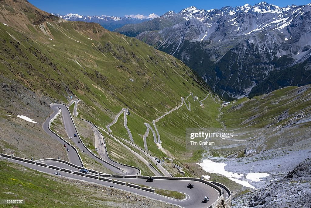 Cars on The Stelvio Pass in the Alps, Italy : News Photo