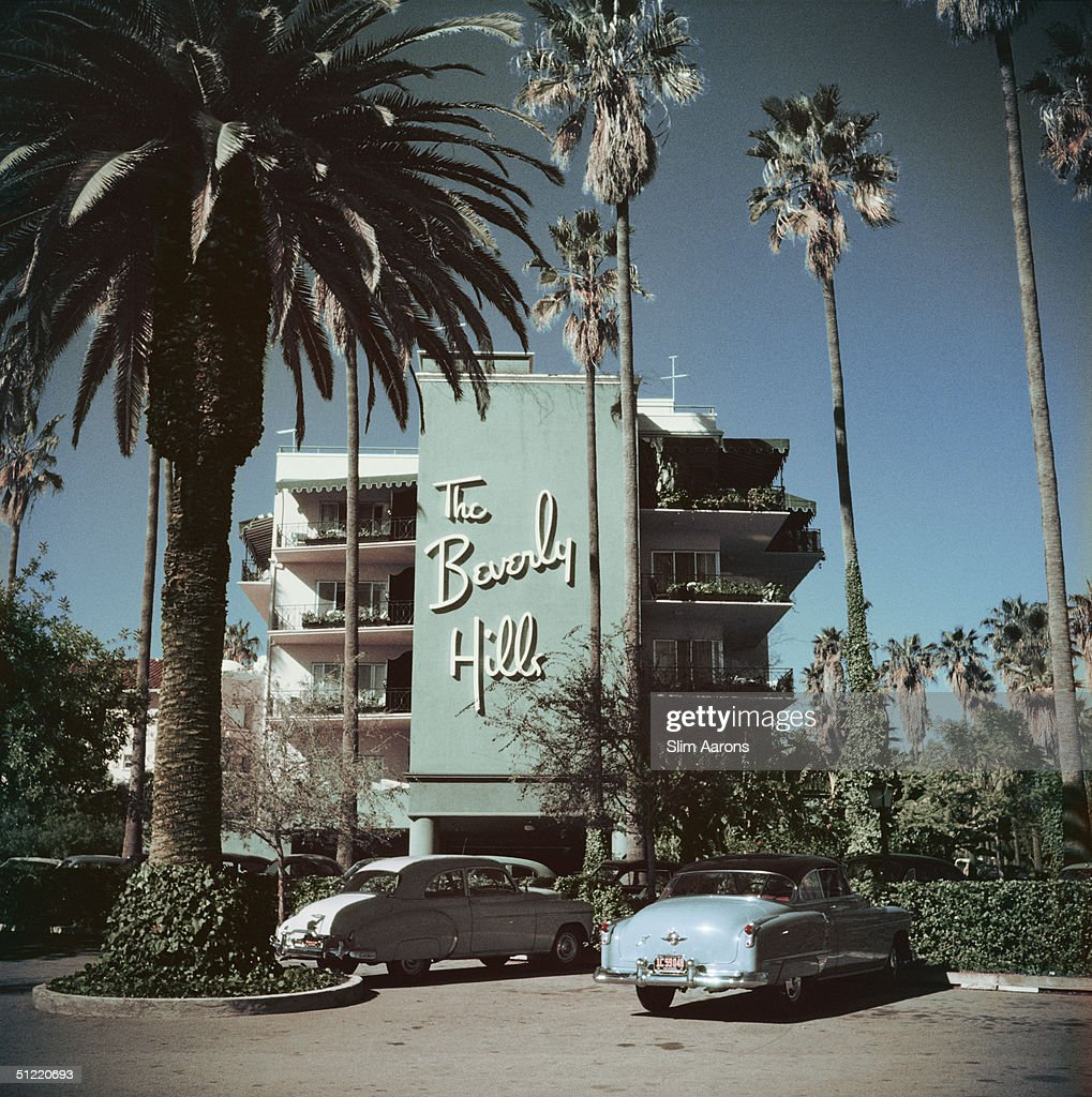 Cars parked outside the Beverly Hills Hotel on Sunset Boulevard in California 1957