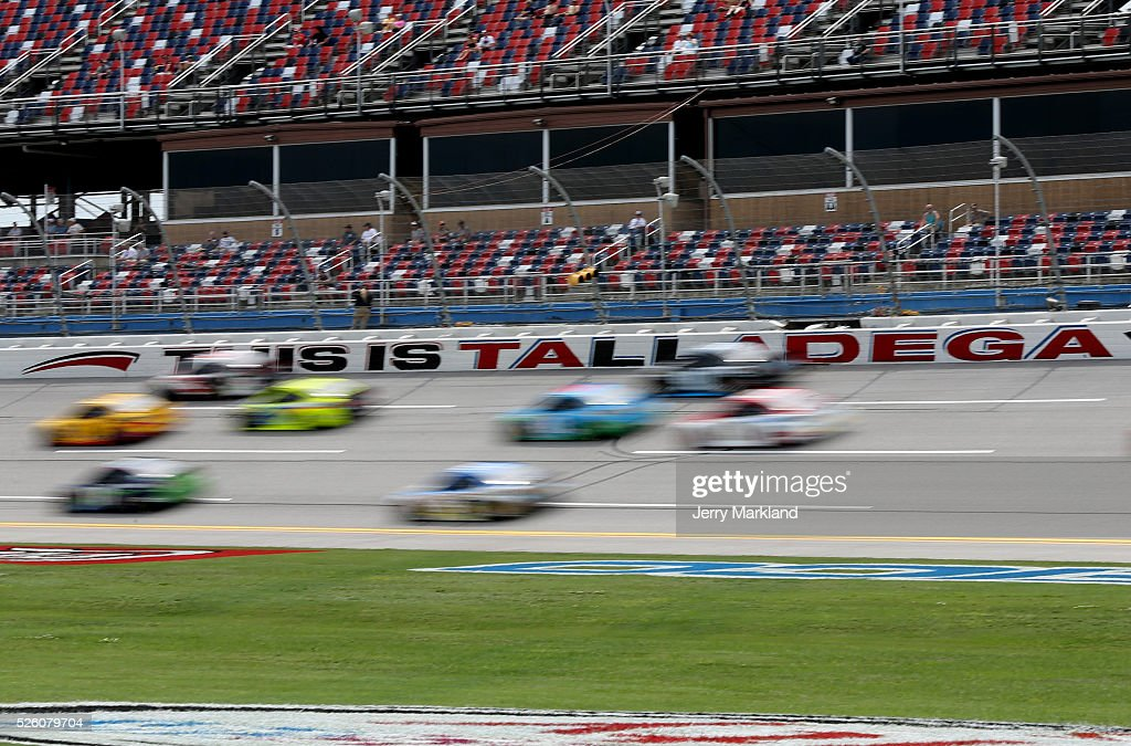 Cars race during practice for the NASCAR Sprint Cup Series GEICO 500 at Talladega Superspeedway on April 29, 2016 in Talladega, Alabama.