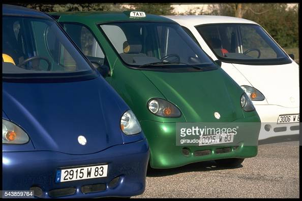 Cars with engines running on compressed air