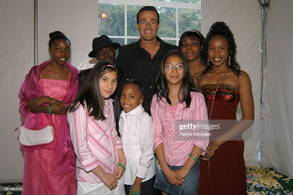 Carson Daly and Fresh Air Fund Children attend Fresh Air Fund Salute To American Heroes at Tavern On the Green on June 2 2005 in New York City