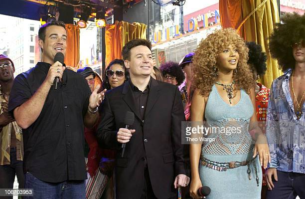 Carson Daly Mike Myers and Beyonce Knowles during Mike Myers and Beyonce Knowles Visit MTV's 'TRL' to promote 'Austin Powers in Goldmember' July 26...