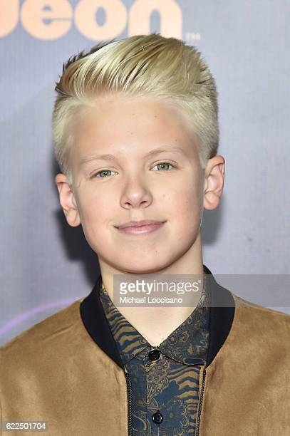 Carson Lueders attends the 2016 Nickelodeon HALO awards at Basketball City Pier 36 South Street on November 11 2016 in New York City