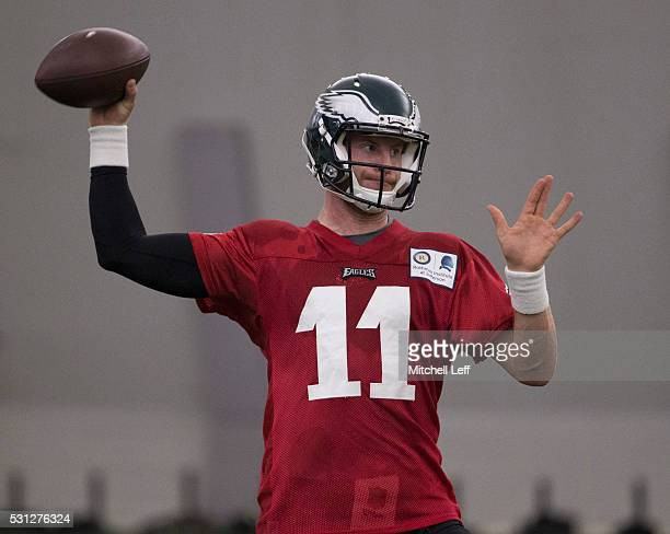 Carson Wentz of the Philadelphia Eagles participates in rookie camp at the NovaCare Complex on May 13 2016 in Philadelphia Pennsylvania