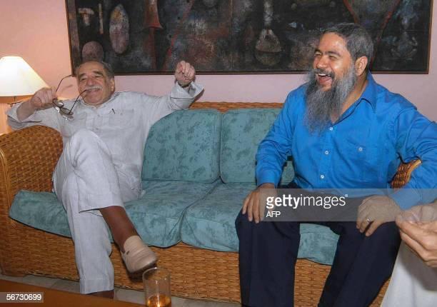 Gabriel Garcia Marquez Premio Nobel de literatura y Francisco Galan vocero de la guerrilla del Ejercito de Liberacion Nacional de Colombia para los...