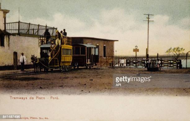 Carte postale illsutrée par la photographie du tramway de Pisco au Pérou