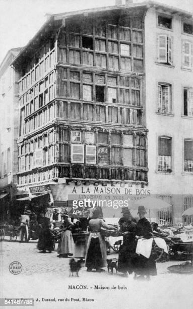 Carte postale illustrée par la photographie de la boutique de lingerie 'A la Maison de Bois' à Mâcon en France