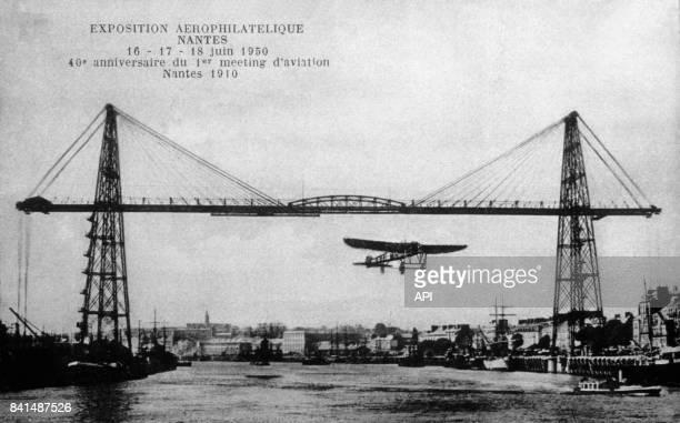 Carte postale illustrée par la photographie du 40ème anniversaire du 1er meeting d'aviation à Nantes lors de l'exposition aérophilatélique les 16 17...