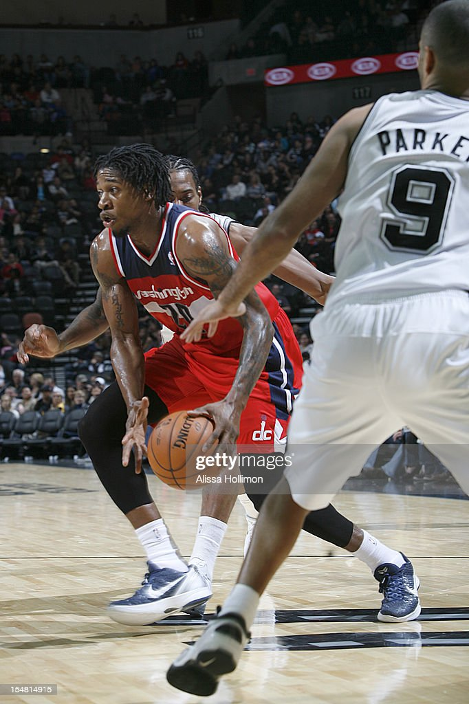 Cartier Martin #20 Washington Wizards drives to the basket vs San Antonio Spurs on October 26, 2012 at the AT&T Center in San Antonio, Texas.