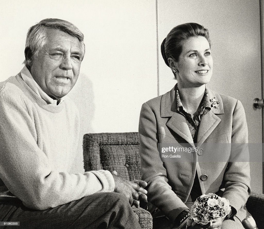 Cary Grant and Grace Kelley
