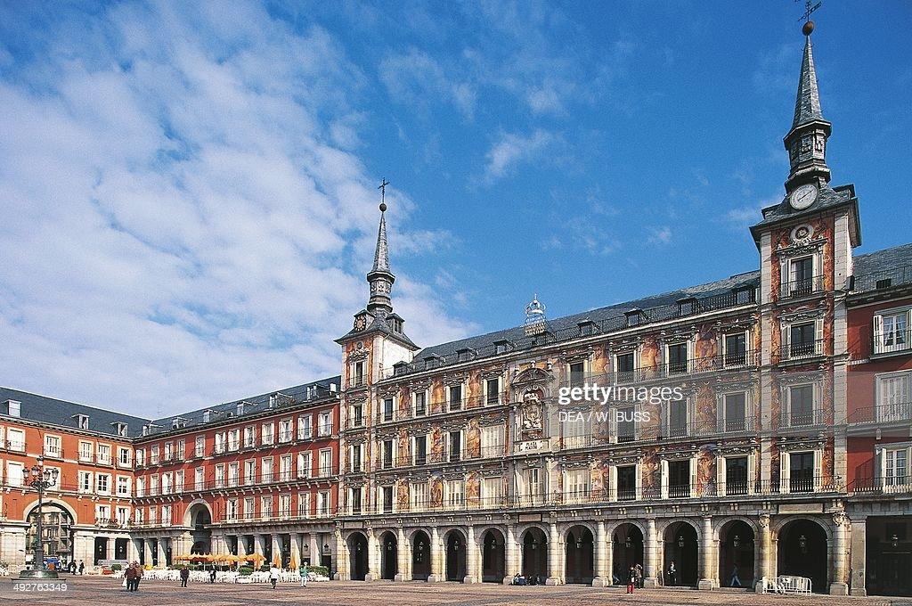 Casa de la Panaderia 16th century architect Diego Sillero Plaza Mayor Madrid Spain