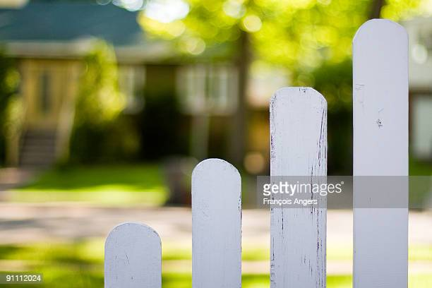 Cascading Picket Fences
