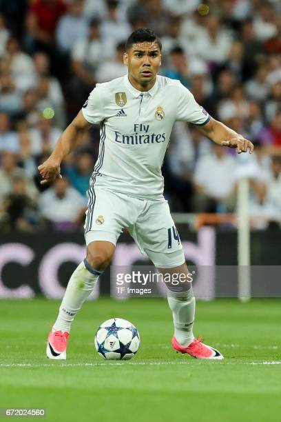 Casemiro of Real Madrid controls the ball during the UEFA Champions League Quarter Final second leg match between Real Madrid CF and FC Bayern...
