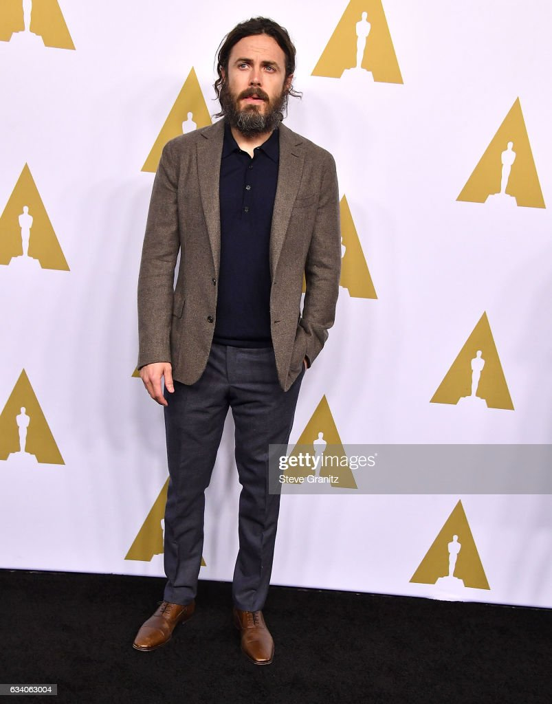 casey-affleck-arrives-at-the-89th-annual-academy-awards-nominee-at-picture-id634063004