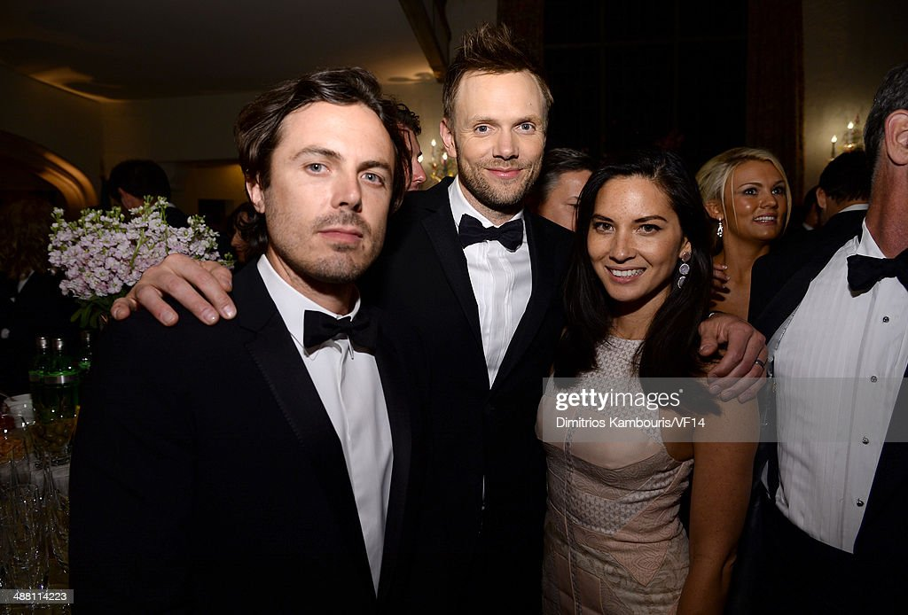 <a gi-track='captionPersonalityLinkClicked' href=/galleries/search?phrase=Casey+Affleck&family=editorial&specificpeople=1539212 ng-click='$event.stopPropagation()'>Casey Affleck</a>, <a gi-track='captionPersonalityLinkClicked' href=/galleries/search?phrase=Joel+McHale&family=editorial&specificpeople=754384 ng-click='$event.stopPropagation()'>Joel McHale</a> and <a gi-track='captionPersonalityLinkClicked' href=/galleries/search?phrase=Olivia+Munn&family=editorial&specificpeople=598969 ng-click='$event.stopPropagation()'>Olivia Munn</a> attend the Bloomberg & Vanity Fair cocktail reception following the 2014 WHCA Dinner at Villa Firenze on May 3, 2014 in Washington, DC.