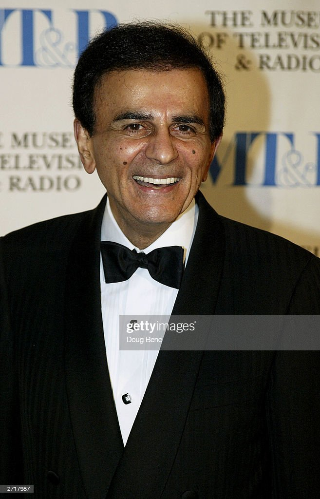 Casey Kasem poses before the Museum of Television & Radio's Annual Los Angeles Gala on November 10, 2003 at the Beverly Hills Hotel in Beverly Hills, California.