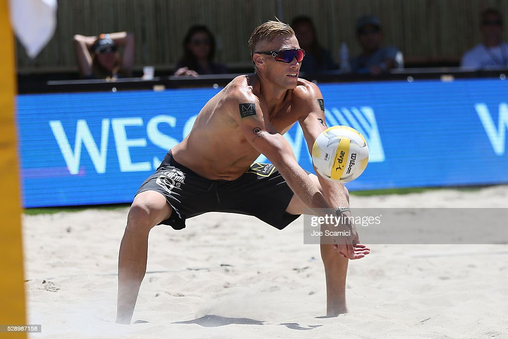 who is keenan patterson After losing to eighth-seeded brad keenan and john mayer, 21-19, 12-21, 15-13, in their first match saturday, gibb and patterson recovered to first beat 12th-seeded pedro brazao and steve grotkowski, 21-19, 21-16, and then seventh-seeded ryan doherty and 2008 olympics gold medalist todd rogers, 21-16, 21-17, to advance to sunday's semifinals.
