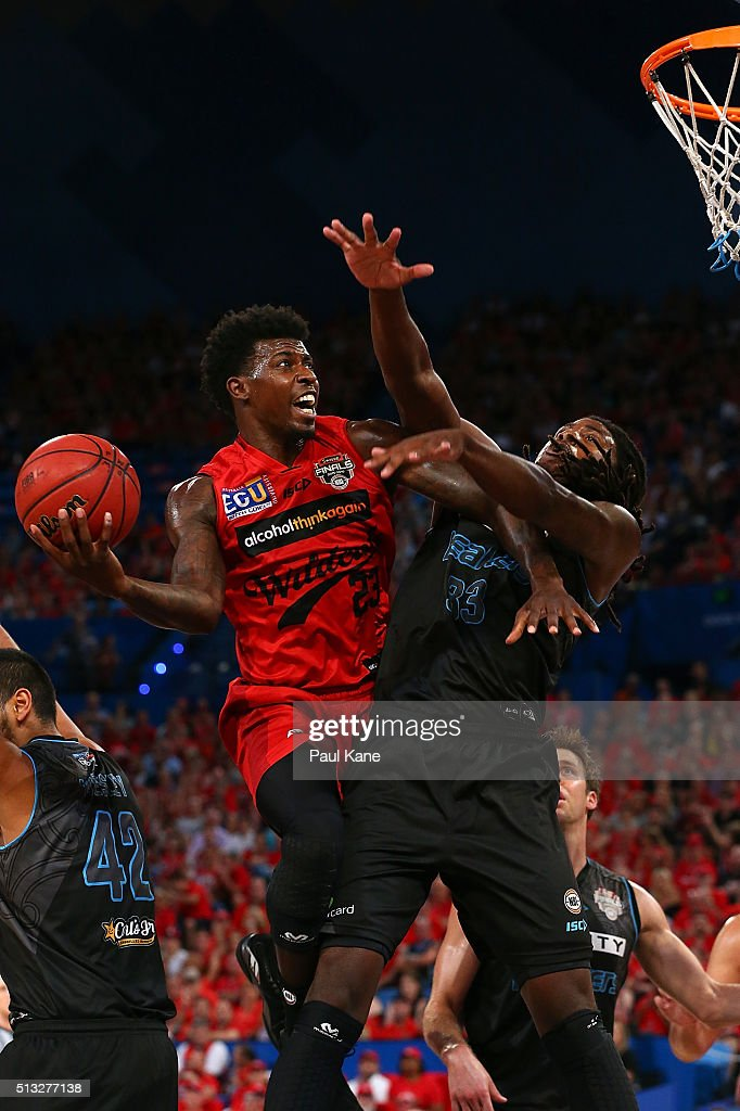 <a gi-track='captionPersonalityLinkClicked' href=/galleries/search?phrase=Casey+Prather&family=editorial&specificpeople=7358715 ng-click='$event.stopPropagation()'>Casey Prather</a> of the Wildcats lays up agaisnt Charles Jackson of the Breakers during game one of the NBL Grand FInal series between the Perth Wildcats and the New Zealand Breakers at Perth Arena on March 2, 2016 in Perth, Australia.