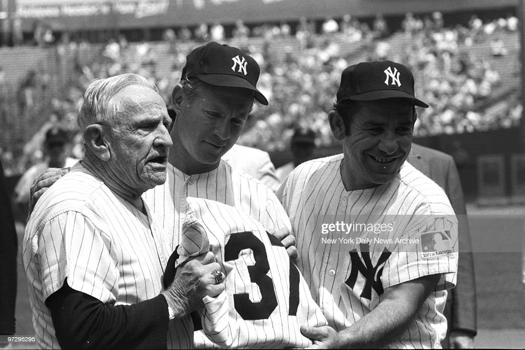 casey-stengel-is-presented-with-his-numb