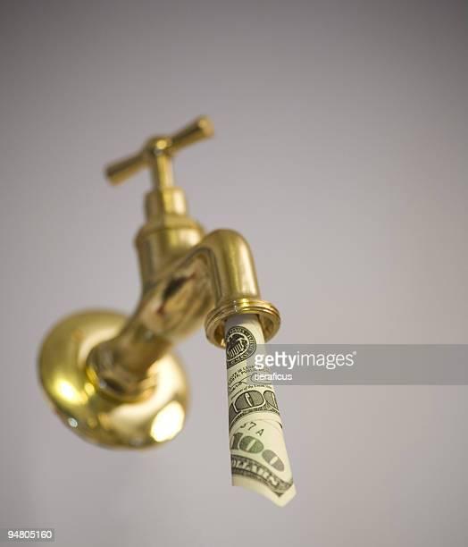 L'argent coule à flot