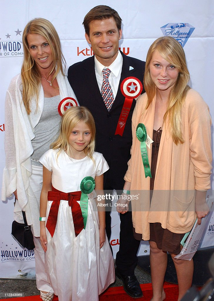 <a gi-track='captionPersonalityLinkClicked' href=/galleries/search?phrase=Casper+Van+Dien&family=editorial&specificpeople=220662 ng-click='$event.stopPropagation()'>Casper Van Dien</a>, <a gi-track='captionPersonalityLinkClicked' href=/galleries/search?phrase=Catherine+Oxenberg&family=editorial&specificpeople=221417 ng-click='$event.stopPropagation()'>Catherine Oxenberg</a> and daughters India and Grace