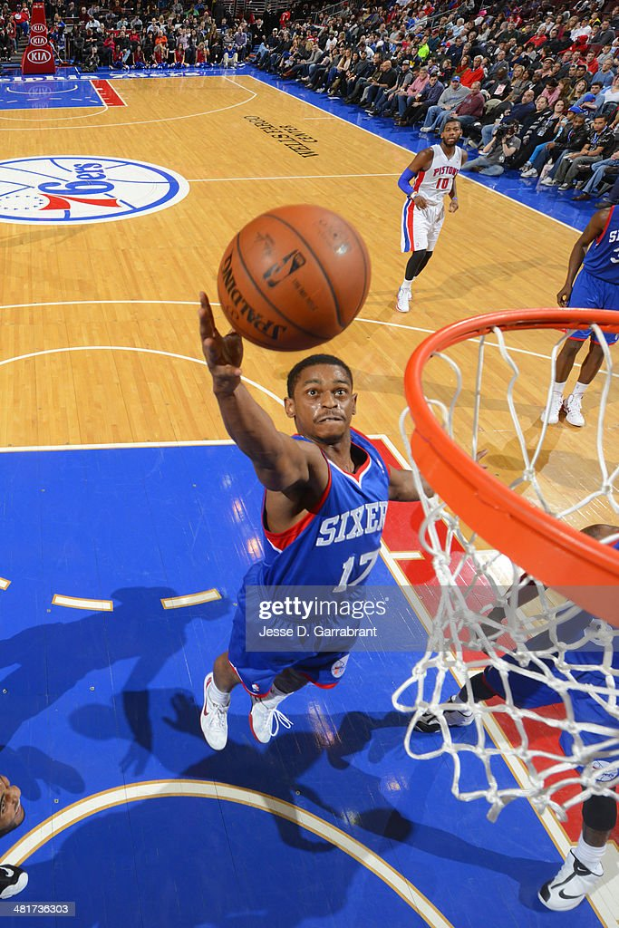Casper Ware #17 of the Philadelphia 76ers drives to the basket against the Detroit Pistons at the Wells Fargo Center on March 29, 2014 in Philadelphia, Pennsylvania.
